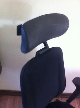 kinnarps-9334-leather-headrest