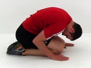 Assouplir le dos: position de la coquille