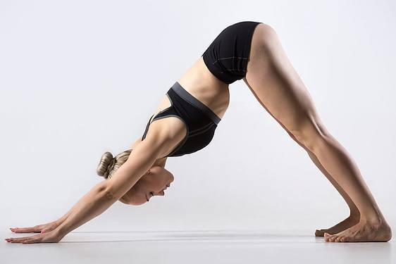 yoga posture du chien tête en bas