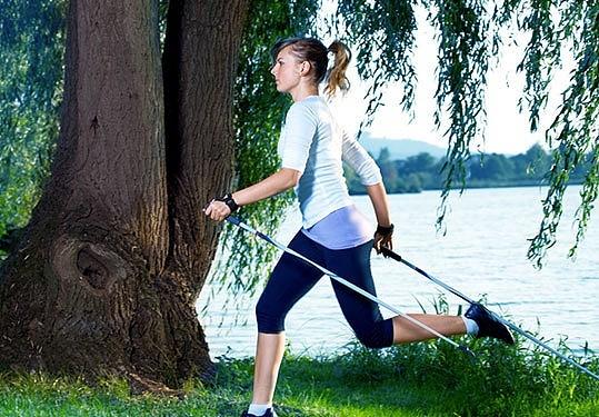 Marche nordique: le meilleur sport pour le mal de dos