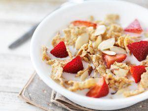 céréales & fruits au petit déjeuner