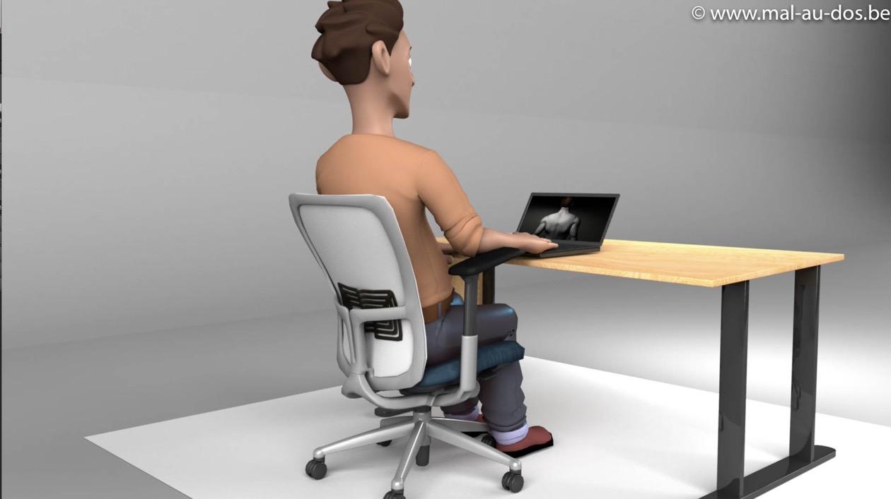 Siège de bureau avec bascule arrière réglée au maximum