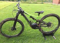 Vtt électrique tout suspendu: le vélo idéal pour le mal de dos