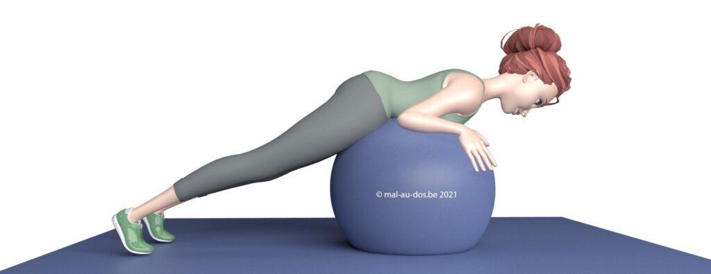 exercice pour le dos avec un ballon depart
